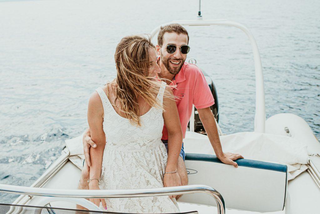 Costa brava sesión de fotos, pareja enamorada, vacaciones en la costa brava