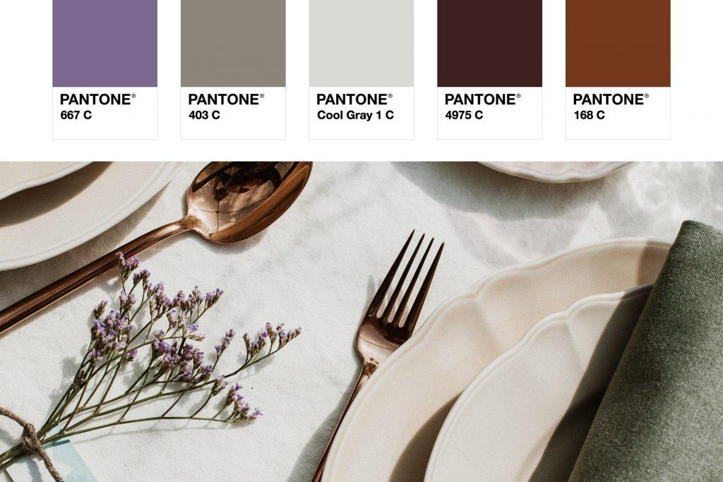 Colores Pantone de una mesa de bodas