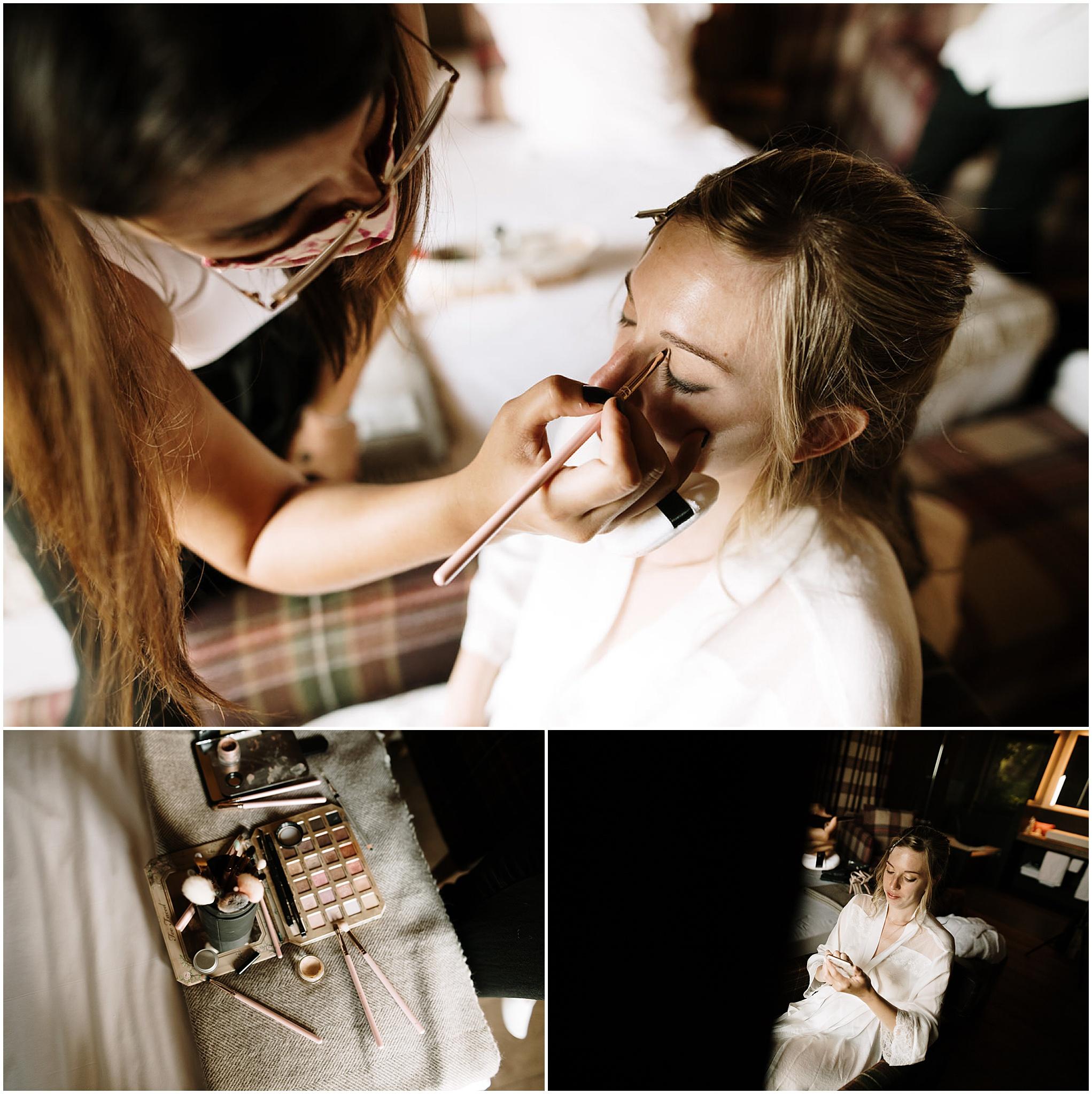Novia siendo maquillada antes de su boda.