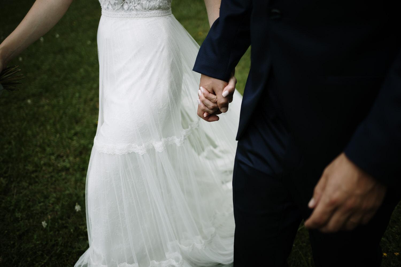 vestido de novia con falda con vuelo