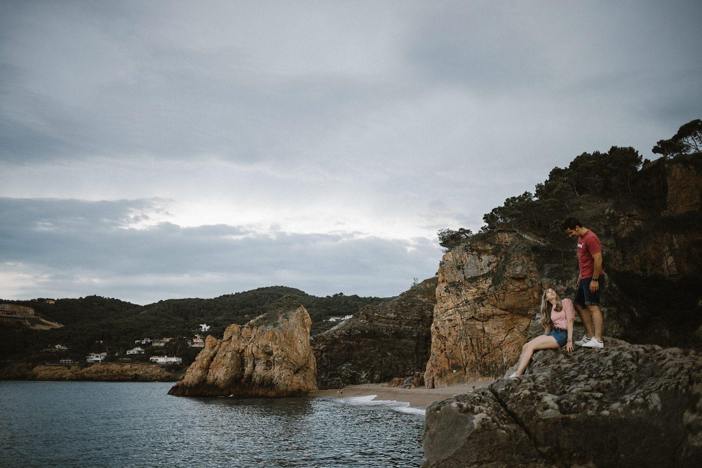 Levis, chica rubia en begur, Begur, illa Roja, Costa Brava, Mejores playas de la costa brava, Platja de Pals, Girona, Beto Perez, Preboda en la playa, Begur playas, Begur calas, pareja enamorada en el mediterráneo