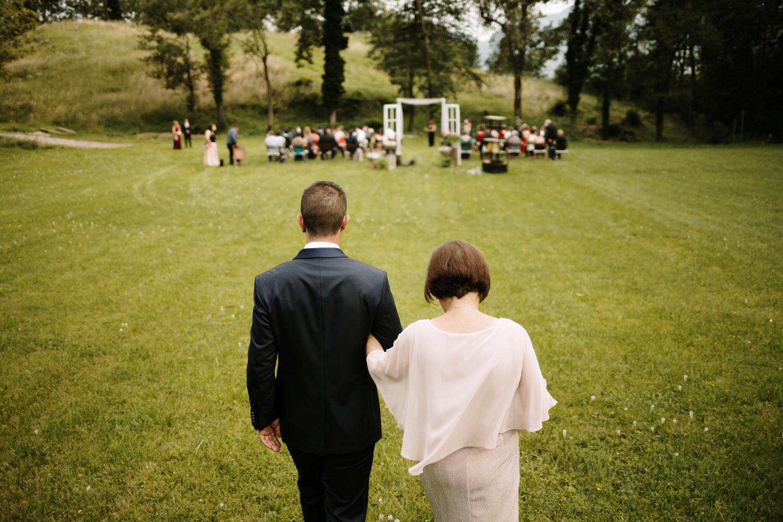 llegada novio a su boda