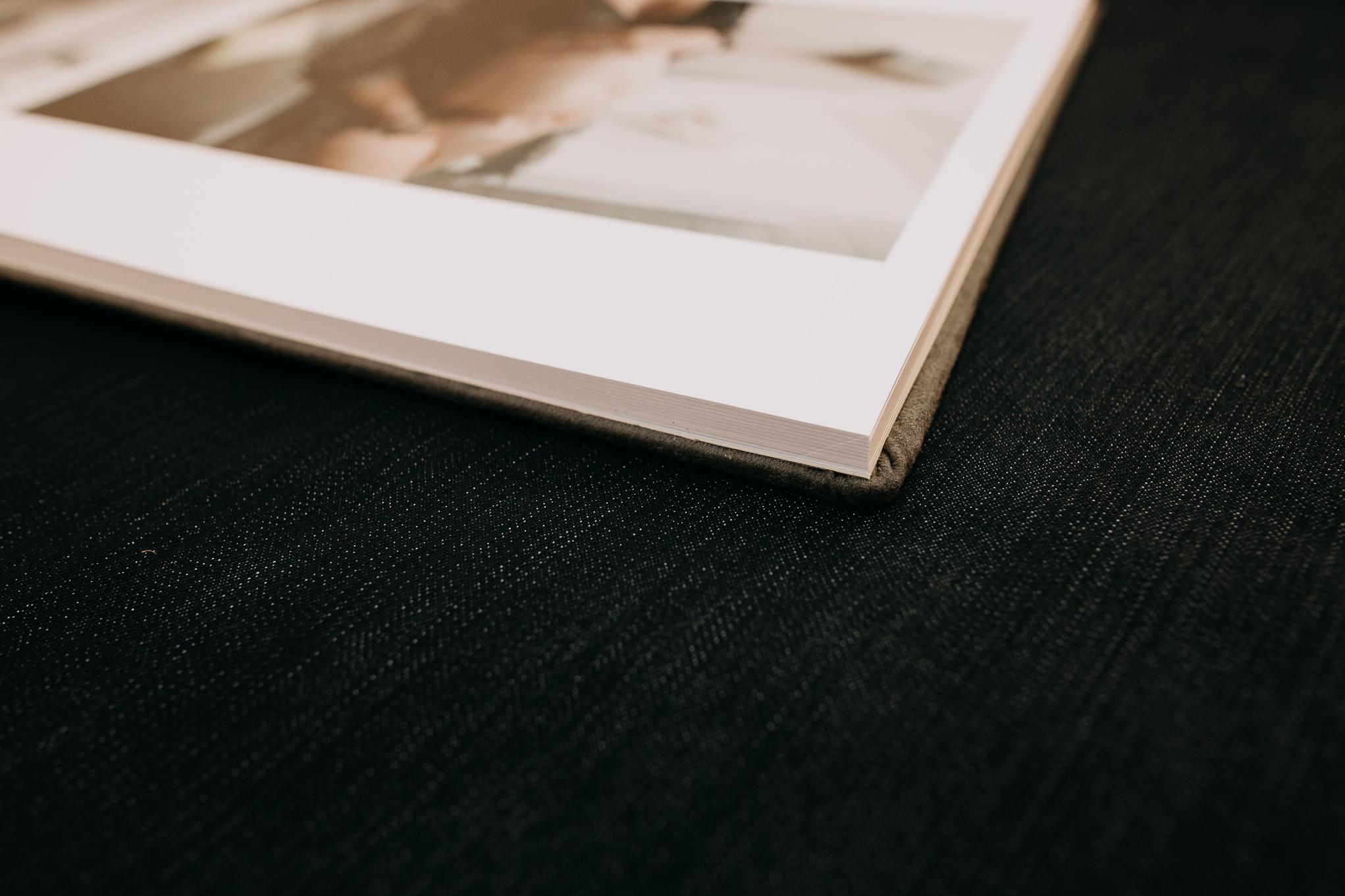 foto libro en sesiones de maternidad