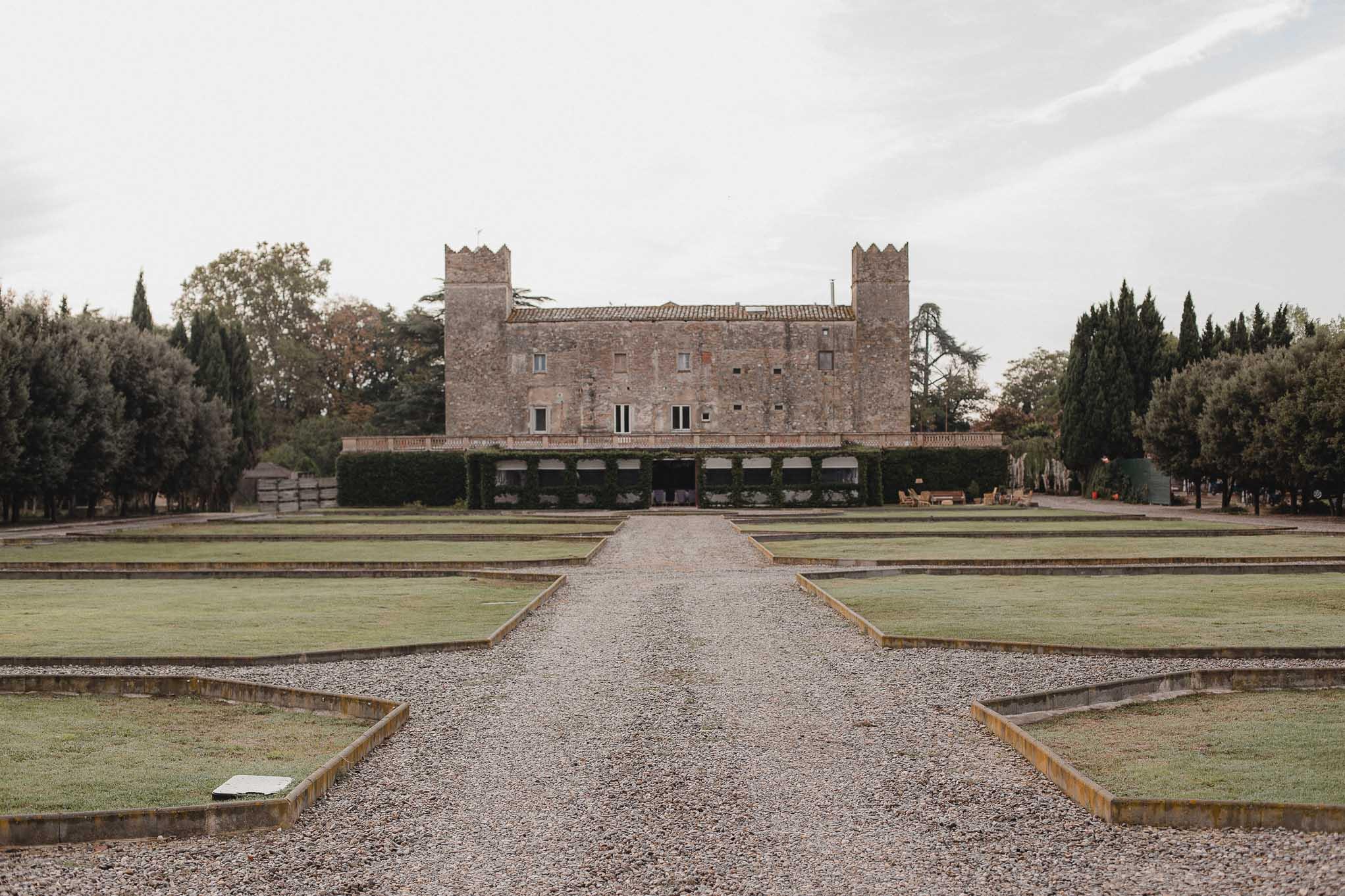 Casarse en Castell de Caramany, jardines para boda en Girona, Castillos para casarse